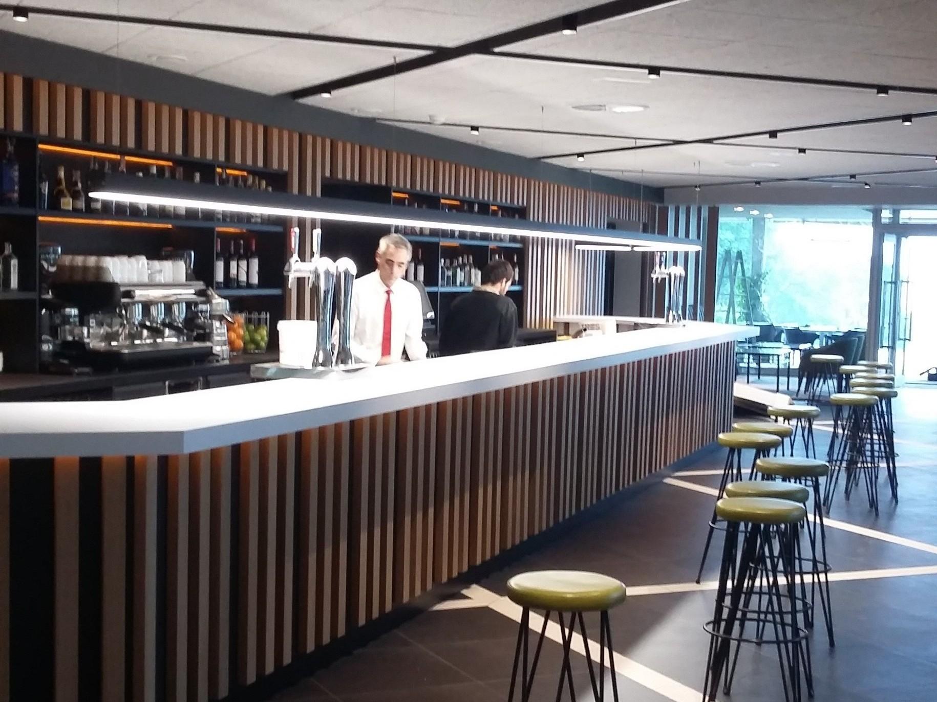 Reforma Cafetería Club de Campo Laukariz. Mungia 01